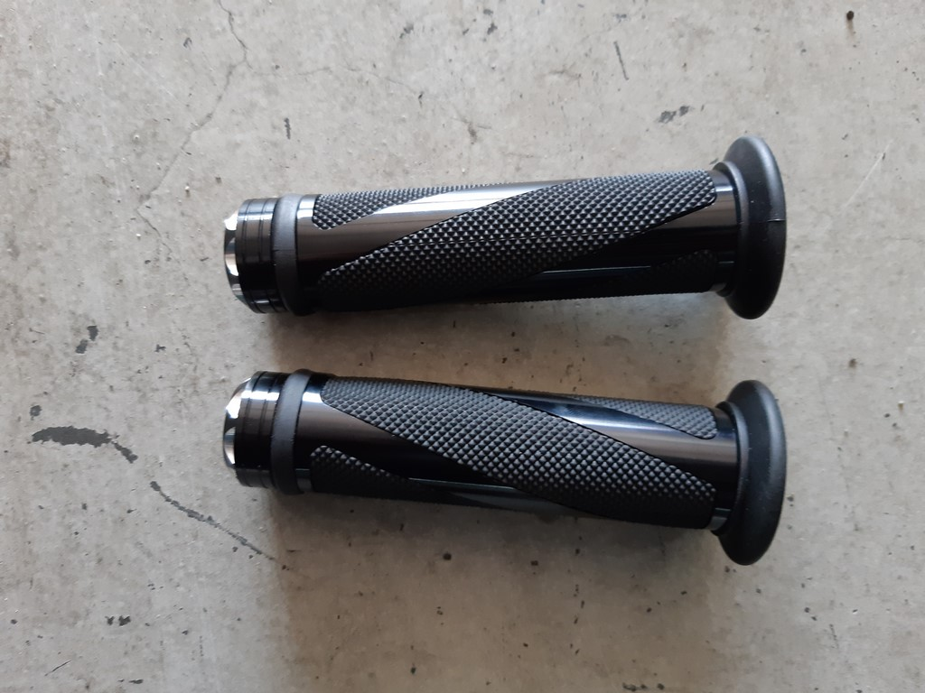 Grips black A57
